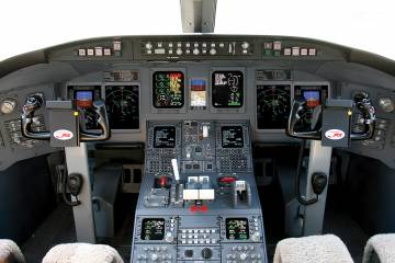IS&S cockpit in CRJ900