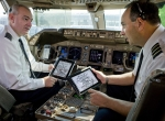 United Airlines pilots with Apple iPads