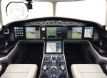 Glass flightdeck with HUD, Falcon 5X