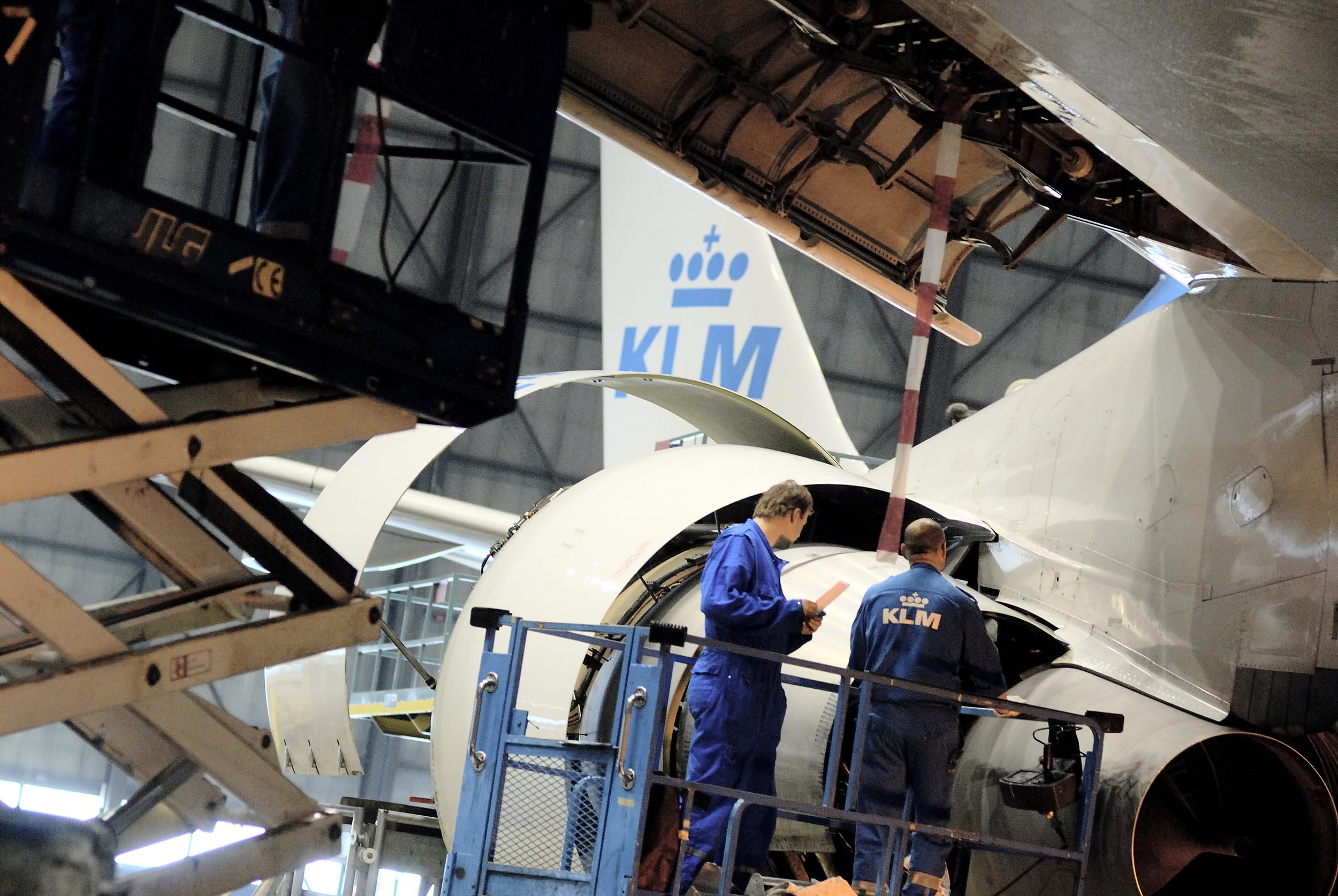 how to become aircraft maintenance engineer in india