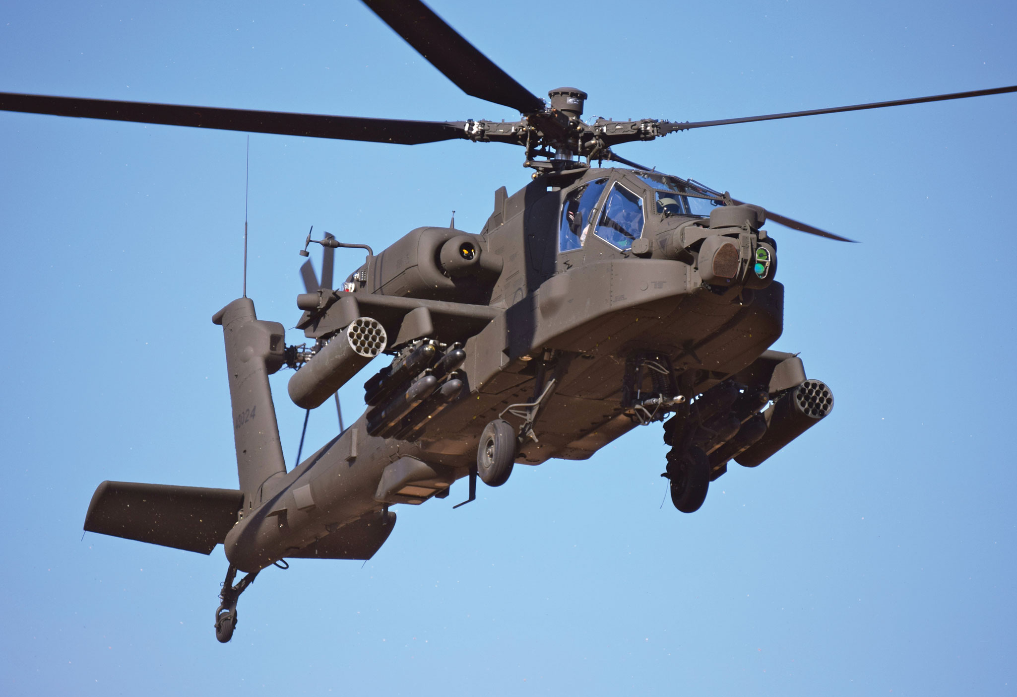 helicopter charter and training with Apache Guardian Earns Praise Afghanistan on Vietnam Buys More Defense Equipment Israel likewise Sale plans as well Singapore Close Super Puma Replacement Choice besides Air Bp 2 together with Britain France Jointly Develop Future  bat Air System.
