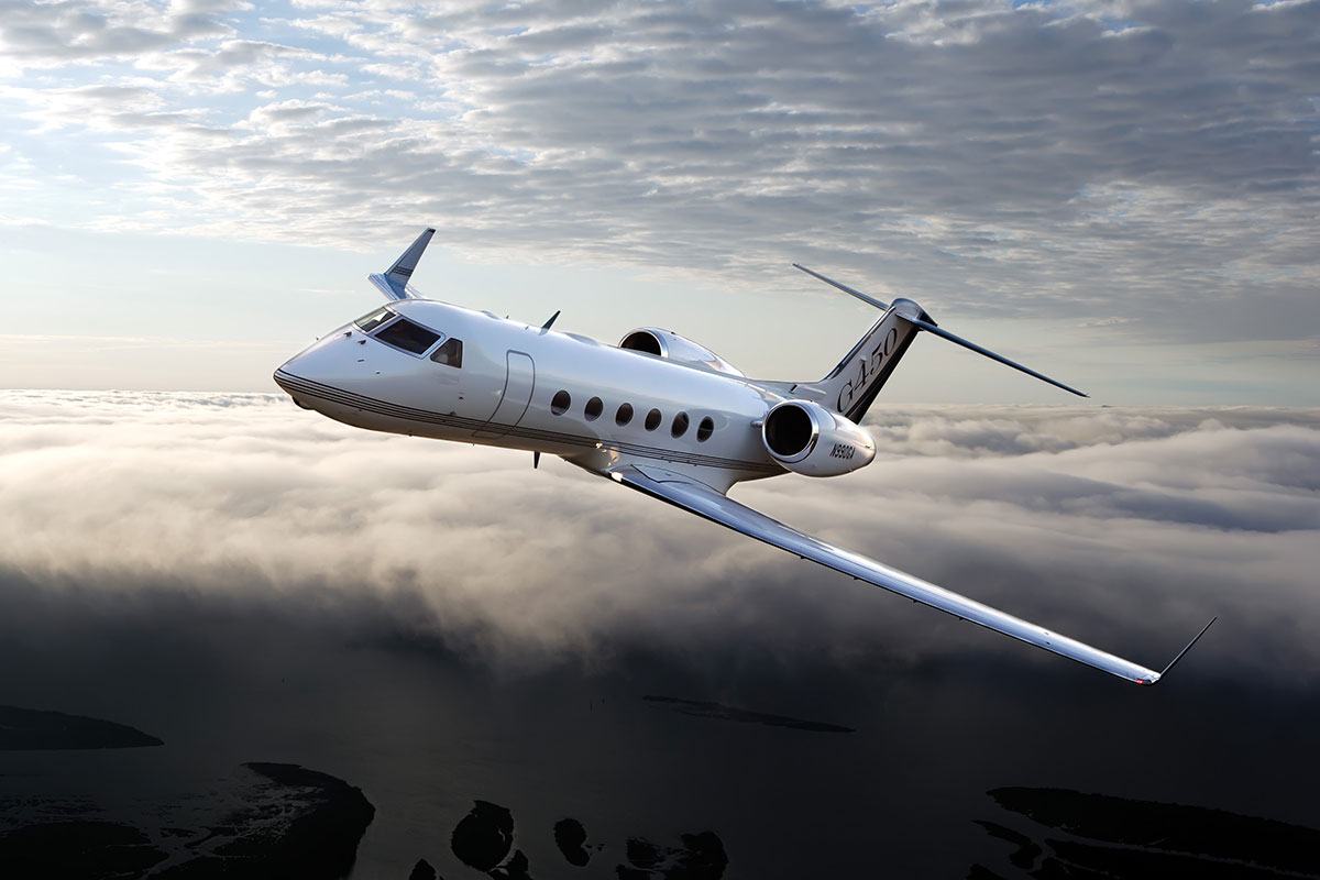 Teal 13 030 bizcraft deliveries over next 10 years for Large cabin business jets
