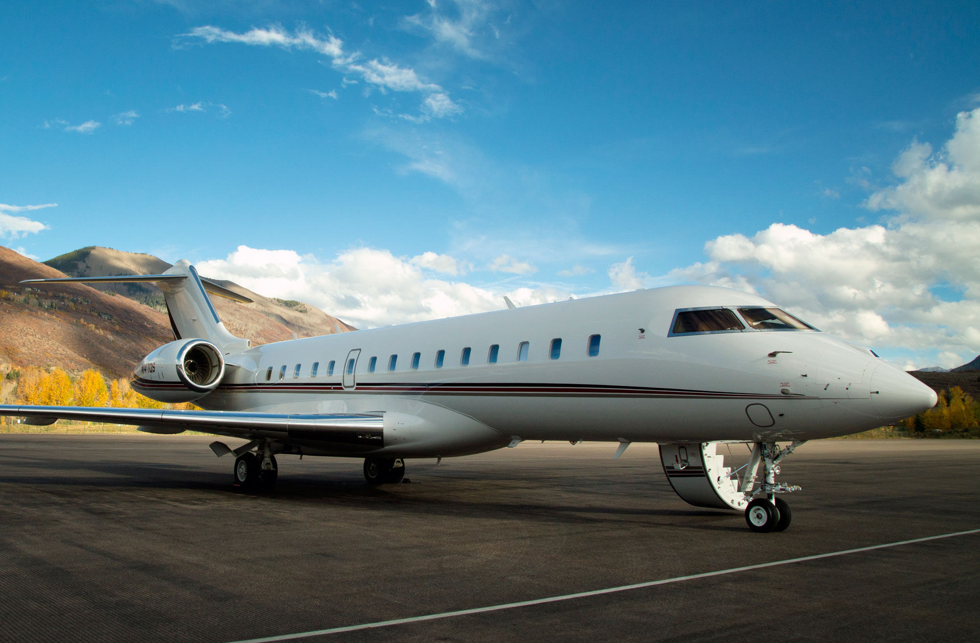 Argus north american bizav traffic hiccups in april for Large cabin business jets