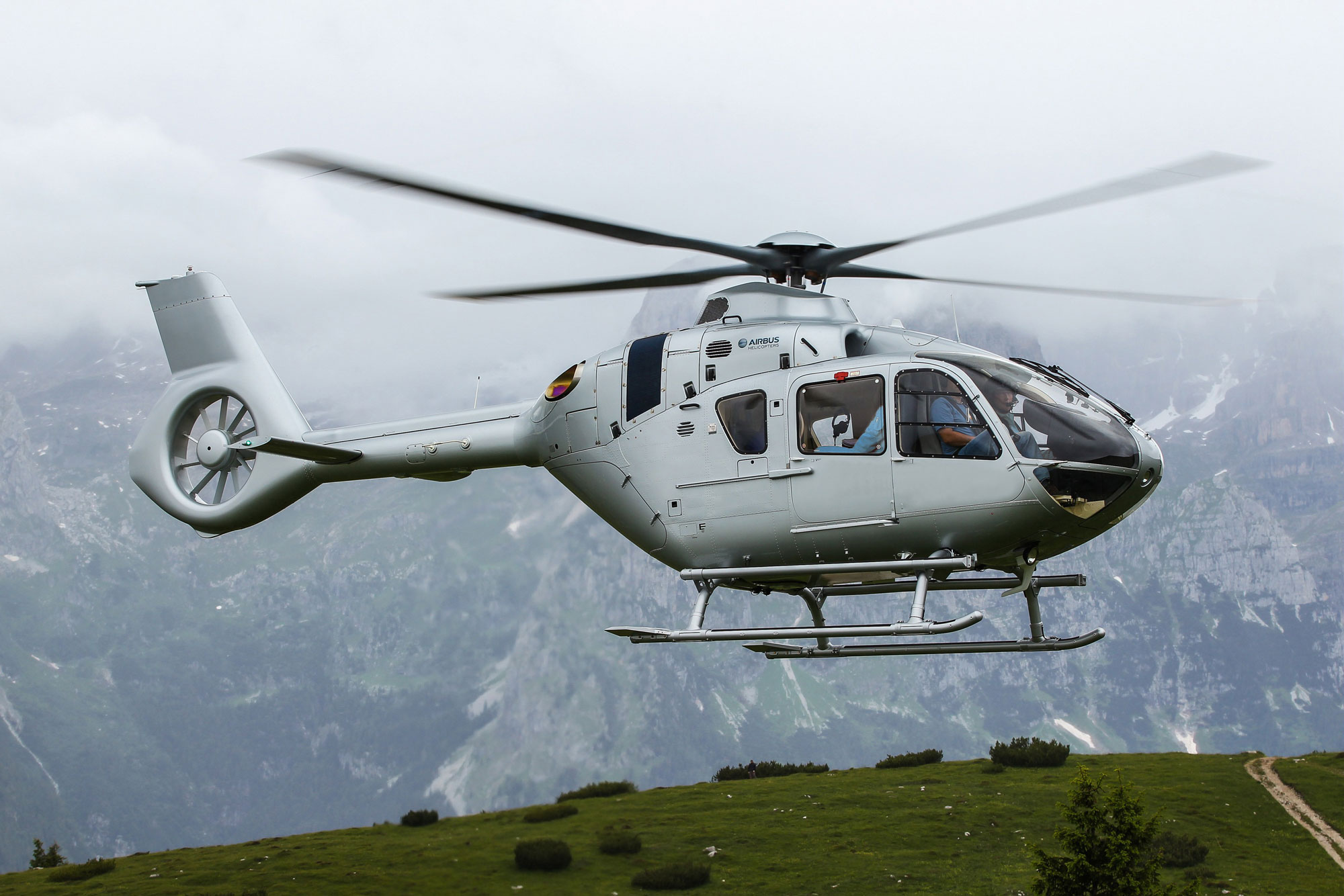 Chinese consortium has placed an order for 100 Airbus Helicopters to ...